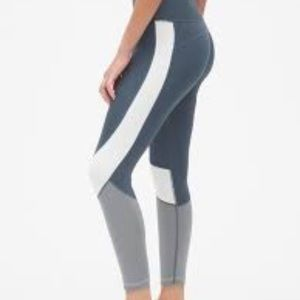 Gapfit Colorblock high rise 7/8 Pants
